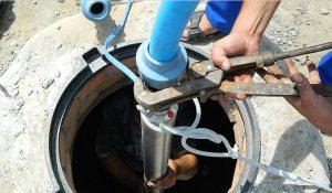 установка насоса в скважину